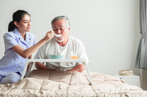 Safety Tips for Feeding the Elderly